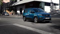 Peugeot e-Rifter, vista 3/4 anteriore