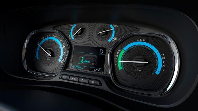 Peugeot e-Traveller: il cruscotto specifico per questa versione