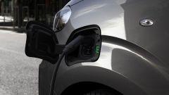 Peugeot e-Traveller: la presa di ricarica
