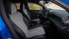 Peugeot e208, gli interni