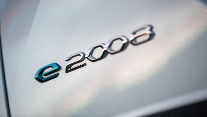 Peugeot ed Enel X: la e-2008