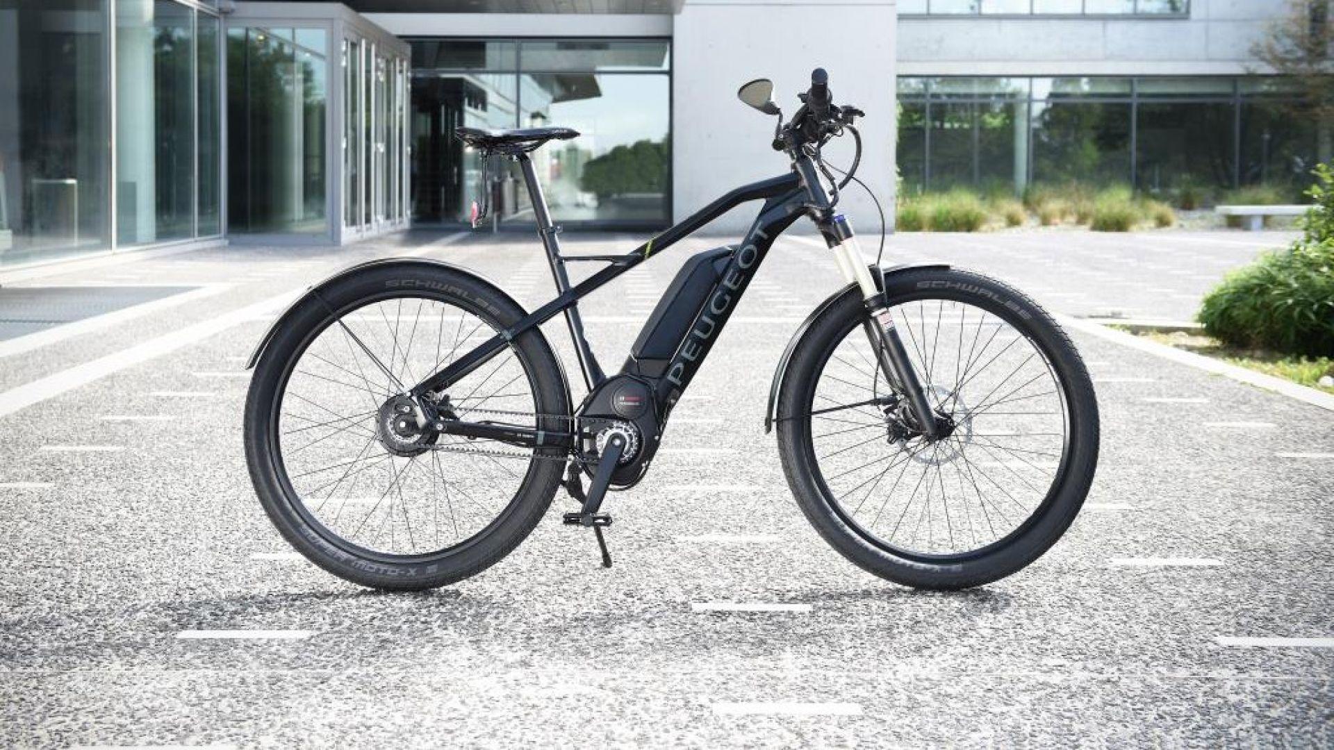 bici elettriche peugeot eu01s la e bike da 45 km h. Black Bedroom Furniture Sets. Home Design Ideas