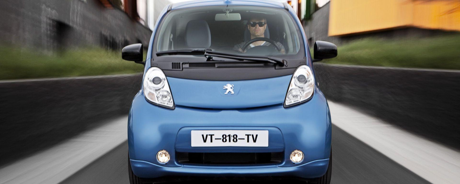 Peugeot i0n: scendono i prezzi