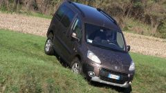 Peugeot Partner Dangel 4x4 - Immagine: 16
