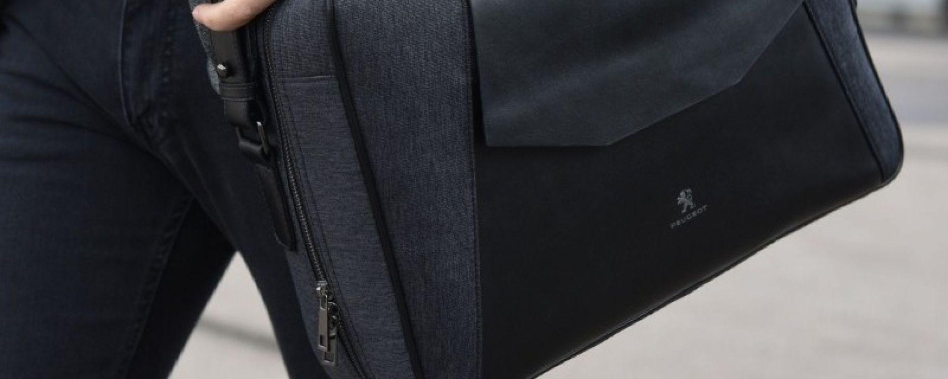 Peugeot: valigia portadocumenti