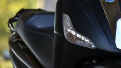 Piaggio Beverly 300 Police: dettaglio delle luci diurne a LED