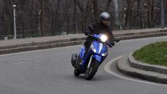 Piaggio Medley 150 S, si guida bene in curva