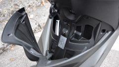 Piaggio Medley 150 S, vano con presa USB