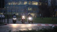 Piaggio Mp3 300 vs Kawasaki J300 vs Honda SH300i ABS - Immagine: 1