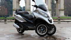Piaggio Mp3 300 vs Kawasaki J300 vs Honda SH300i ABS - Immagine: 19