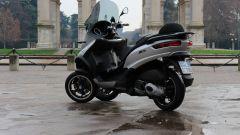 Piaggio Mp3 300 vs Kawasaki J300 vs Honda SH300i ABS - Immagine: 20