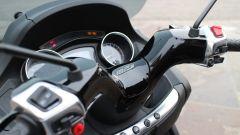 Piaggio Mp3 300 vs Kawasaki J300 vs Honda SH300i ABS - Immagine: 8