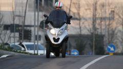Piaggio Mp3 300 vs Kawasaki J300 vs Honda SH300i ABS - Immagine: 13