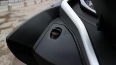 Piaggio Mp3 300 vs Kawasaki J300 vs Honda SH300i ABS - Immagine: 29