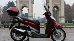 Piaggio Mp3 300 vs Kawasaki J300 vs Honda SH300i ABS - Immagine: 64