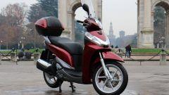 Piaggio Mp3 300 vs Kawasaki J300 vs Honda SH300i ABS - Immagine: 66