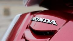 Piaggio Mp3 300 vs Kawasaki J300 vs Honda SH300i ABS - Immagine: 71