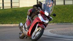 Piaggio Mp3 300 vs Kawasaki J300 vs Honda SH300i ABS - Immagine: 58