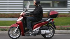 Piaggio Mp3 300 vs Kawasaki J300 vs Honda SH300i ABS - Immagine: 59