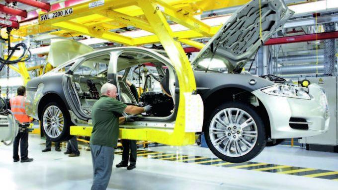 Piani produttivi gruppo JLR: una catena di montaggio Jaguar