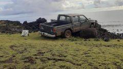 Pickup distrugge statua sacra dell'Isola di Pasqua: danni enormi