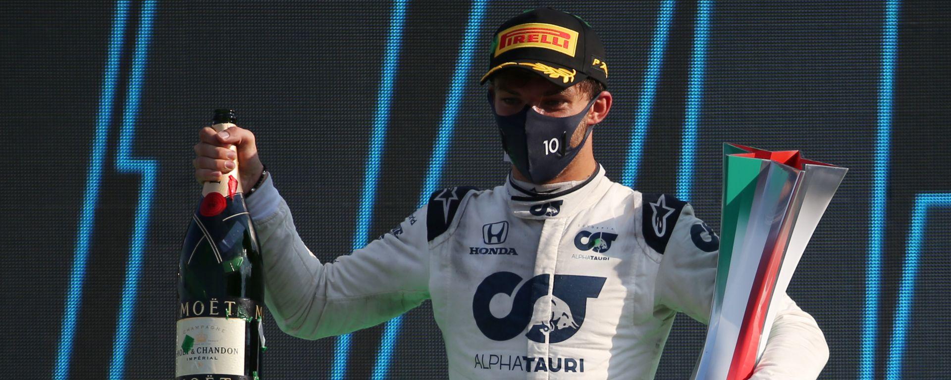 Pierre Gasly (Alpha Tauri) sul podio di Monza