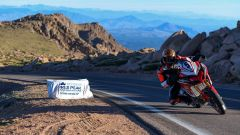 "Pikes Pikes: la Ducati trionfa alla ""Race to the Clouds"" - Immagine: 1"