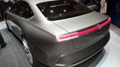 Pininfarina H600, lo stile è da berlina-coupé