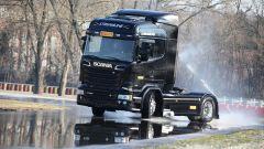 Pirelli: uno Scania per laboratorio - Immagine: 1