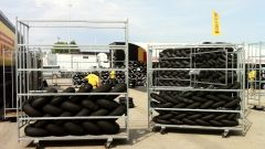 Pirelli: a Misano le nuove slick maggiorate per la SBK - Immagine: 5