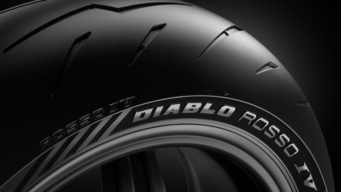 Pirelli Diablo Rosso IV: il disegno del battistrada