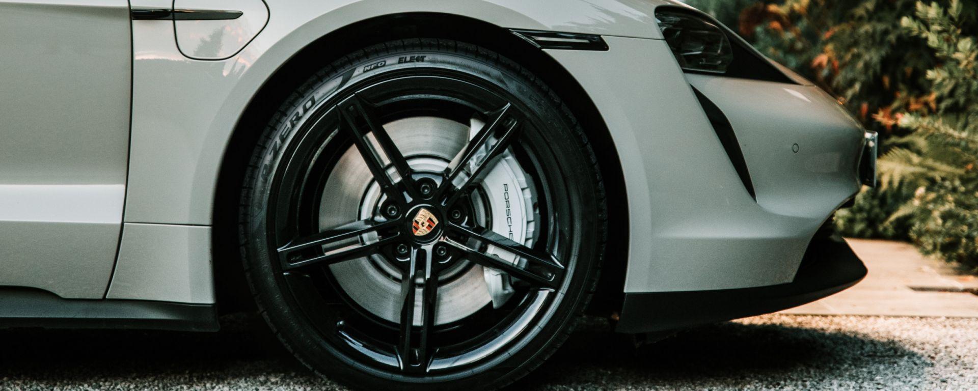 Pirelli Elect per Porsche Taycan