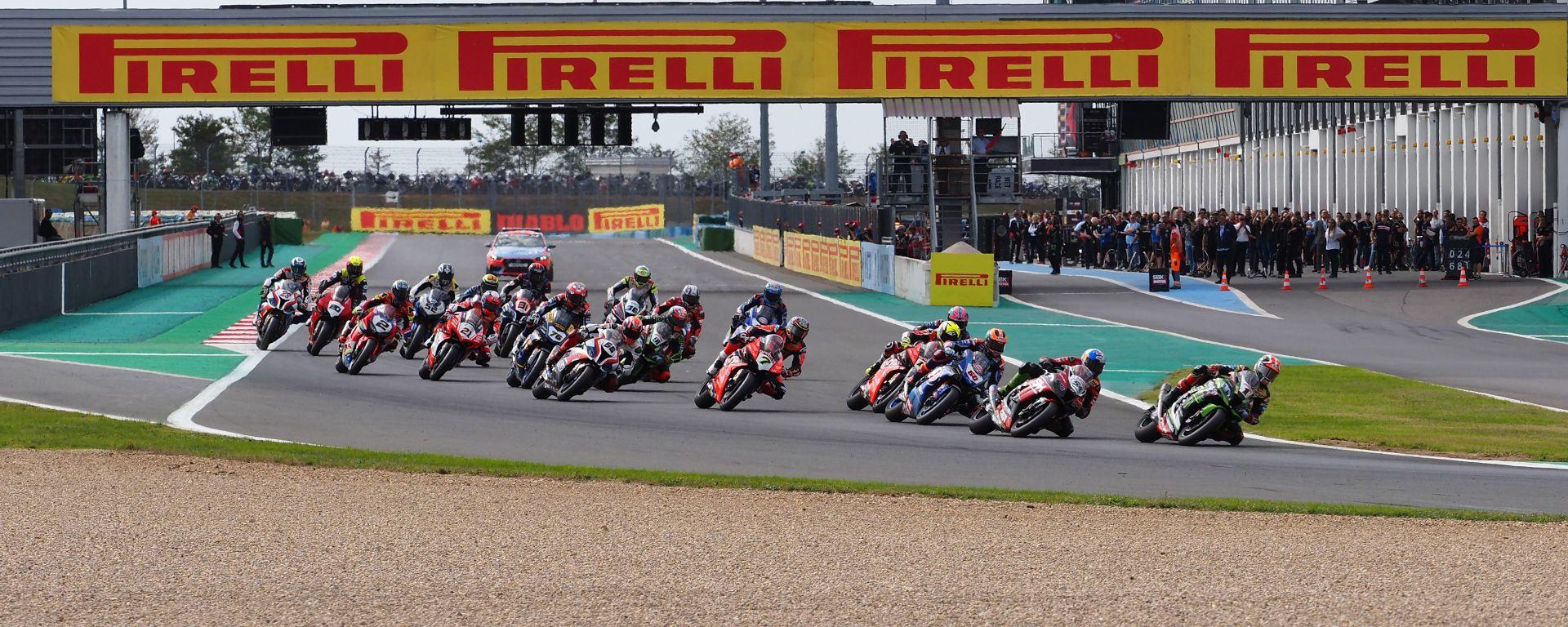 Pirelli rinnova con Superbike fino al 2023