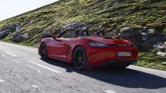 Più potenti, più sensuali. Ecco Porsche Boxster GTS e Cayman GTS - Immagine: 7