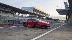 Più potenti, più sensuali. Ecco Porsche Boxster GTS e Cayman GTS - Immagine: 16