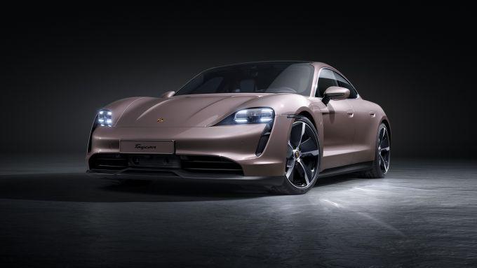 Porsche 2021, la nuova Taycan a trazione posteriore