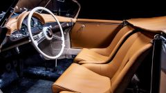 Porsche 356 Speedster: la plancia con il volante in legno e alluminio