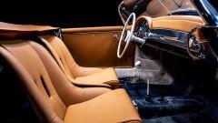 Porsche 356 Speedster: l'abitacolo perfettamente restaurato con i rivestimenti dei sedili in pelle