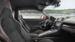 Porsche 718 Boxster GTS e 718 Cayman GTS, interni ancora più sportivi