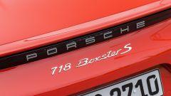 Porsche 718 Boxster Il profilo nero in coda ha anche la funzione di spezzare i flussi aerodinamici posteriori