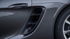 Porsche 718 Boxster le bocche laterali che raffreddano ora anche l'intercooler