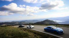 Porsche 718 Cayman, Alfa Romeo 4C Competizione e Alpine A110 Premiere Edition in parata