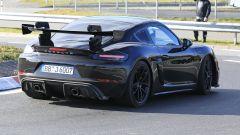 Porsche 718 Cayman GT4 RS 2020: l'estrattore posteriore in vista