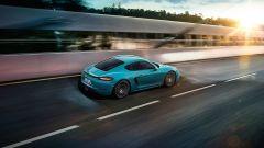 Porsche 718 Cayman: vista 3/4 posteriore