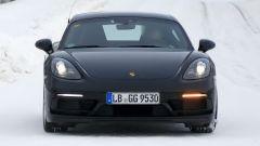 Porsche 718 GT4 Touring Package: le foto spia durante i test - Immagine: 2
