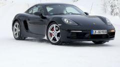 Porsche 718 GT4 Touring Package: le foto spia durante i test - Immagine: 1