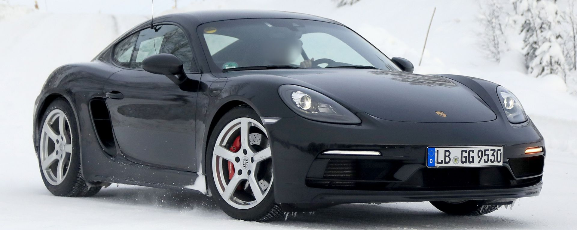 Porsche 718 GT4 Touring Package: le foto spia durante i test