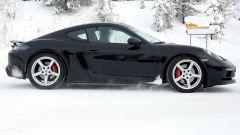 Porsche 718 GT4 Touring Package: le foto spia durante i test - Immagine: 3