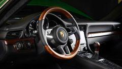 Porsche 911 1.000.000: volante misto legno