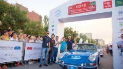 Porsche 911 2.0 1964 al traguardo del Top City Classic Rally in China